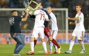 confusao-servia-albania-reu3